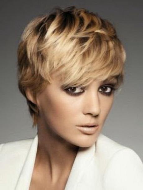 Flotte Haarschnitte Damen Mittellang
