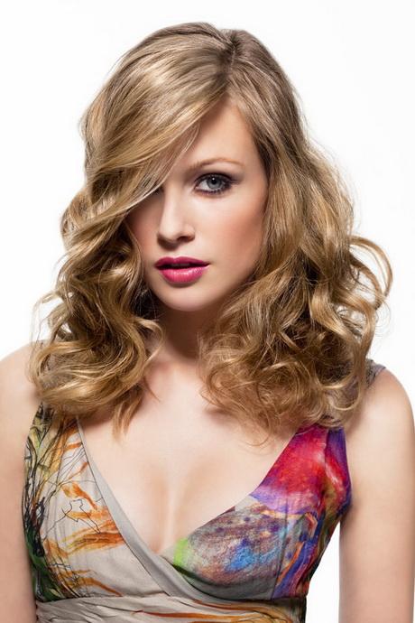Langhaarfrisuren Fotos Haarschnitte Damen Mittellang