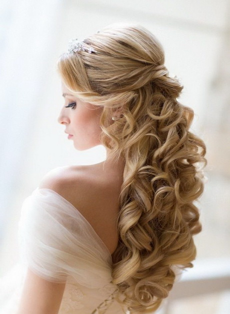 2014 cute easy updo bun for medium hair popular haircuts hochzeitsfrisuren bilder haare flechten. Black Bedroom Furniture Sets. Home Design Ideas