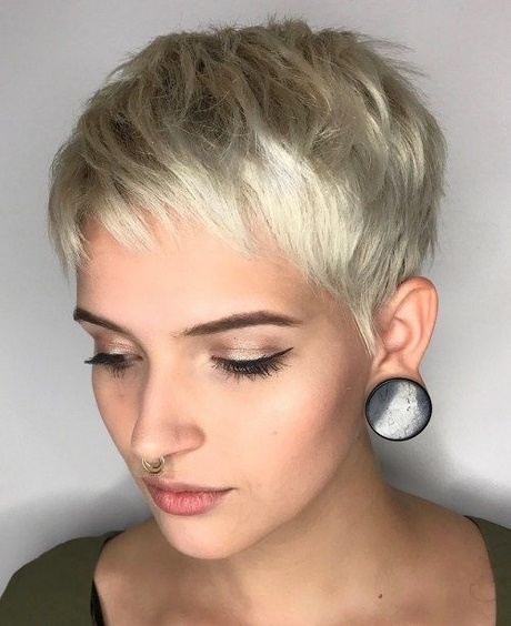 Blonde Kurzhaarfrisuren 2018 Damen