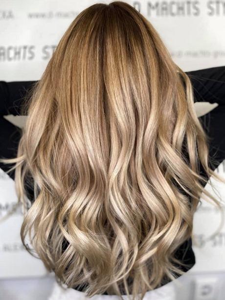 Welche haarfarbe ist 2021 trend